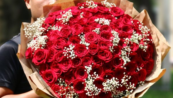 Ý nghĩa của 101 bông hồng trong tình yêu