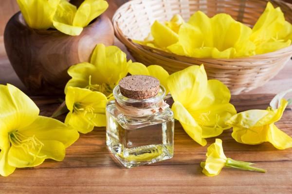 """Tác dụng """"thần kỳ"""" của tinh dầu hoa anh thảo với sức khoẻ và sắc đẹp"""